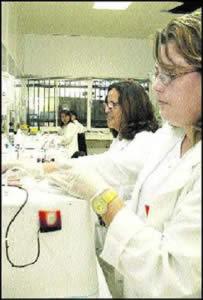 Principado y Cruz Roja transforman en fundación el Centro Comunitario de Sangre